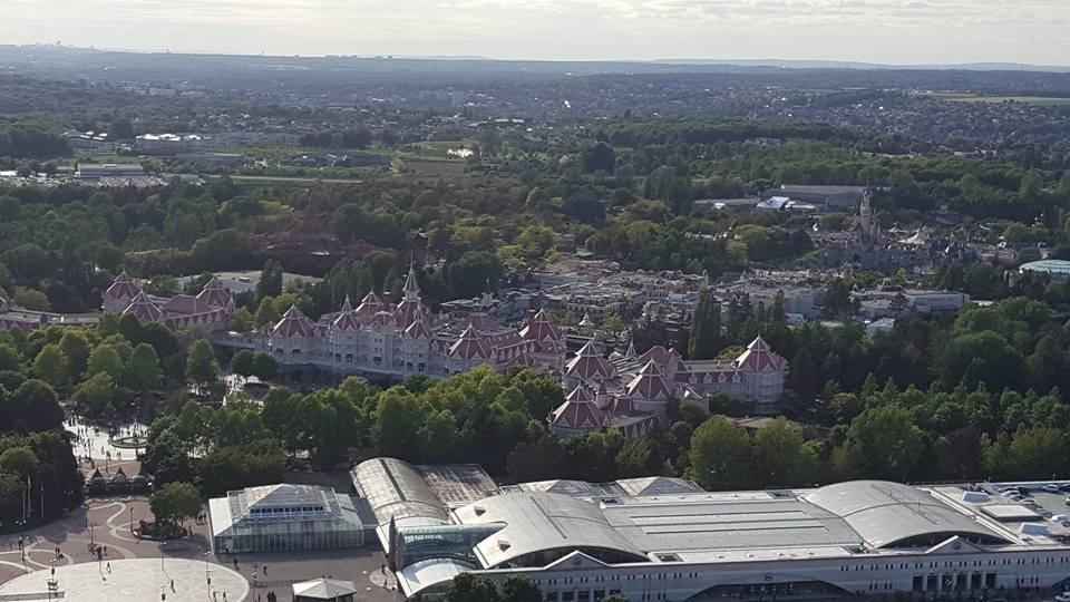 Disneyland vue d'en haut ... - Page 3 5215831848544418799481422736027975810497573657742n