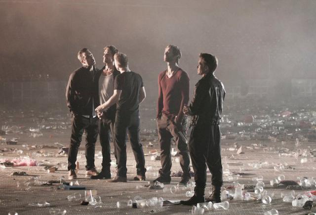 """Photo du clip """"When We Were Young"""" 5241060349"""