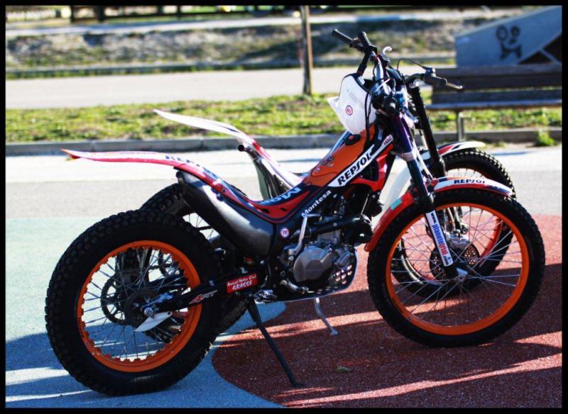 Motos Luc et Sylvie 530982MontesaLuc041220102