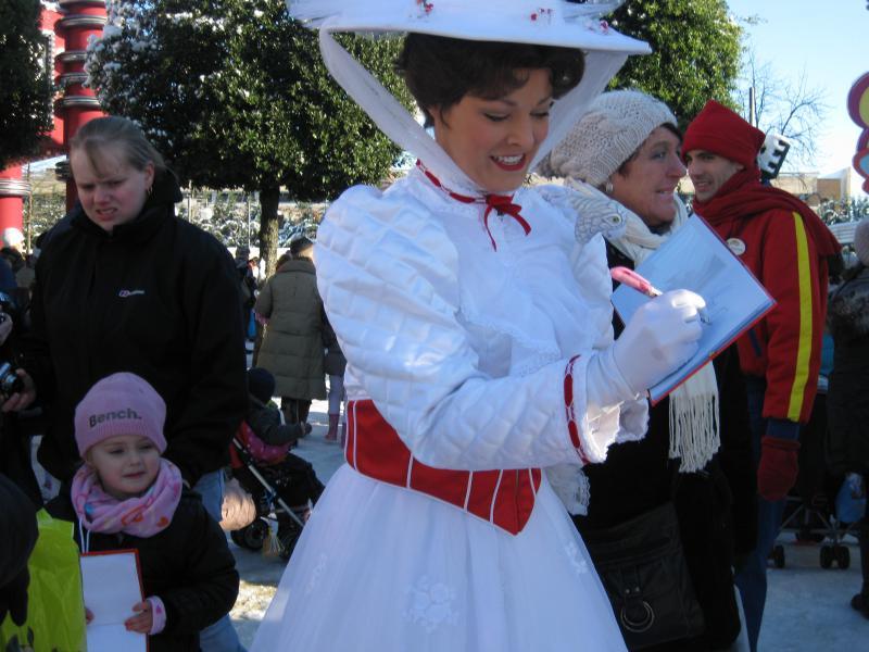 [Disneyland Paris] Disneyland Hotel - chambre Castle Club (8-10 décembre 2010) (début du TR p.9) - Page 9 532436IMG2226