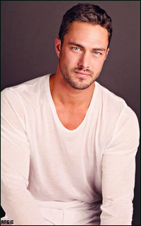 Ma petite galerie des horreurs - Page 11 537559TaylorKinney15