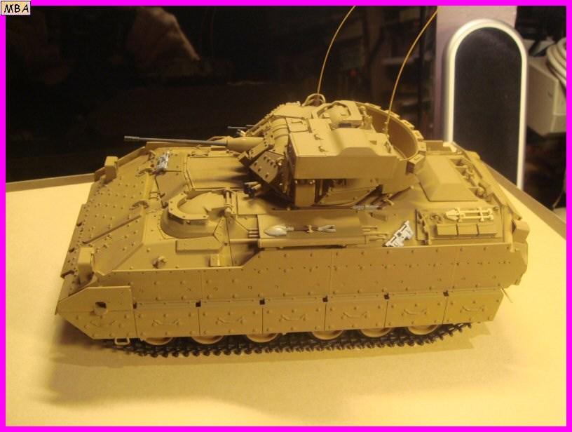 Le transporteur de troupe M2A2 par l'ancien au 1/35è Tamiya 539079m2a205jpg