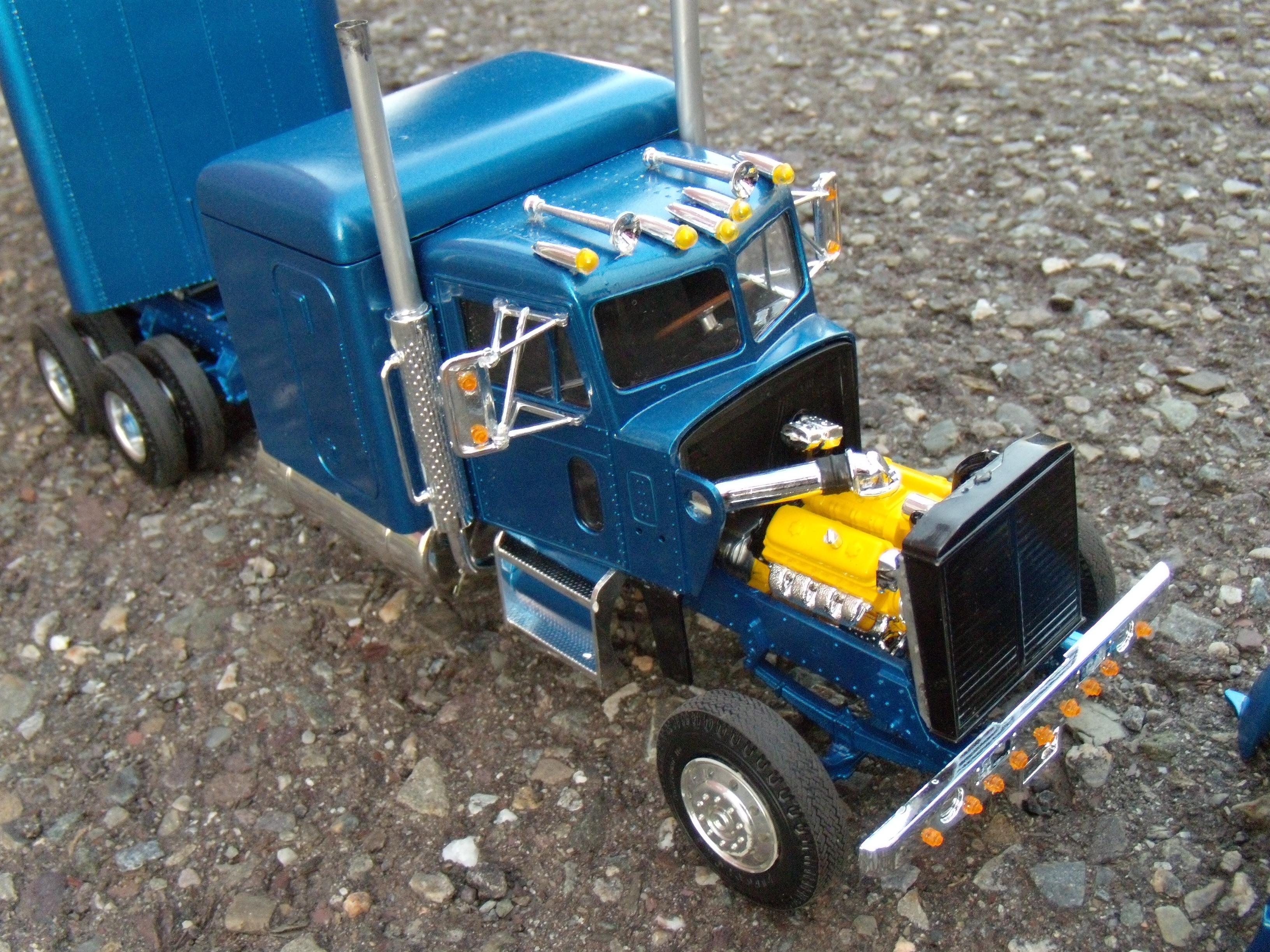 Peterbilt 359 ''california hauler'' 539640DSCN2248