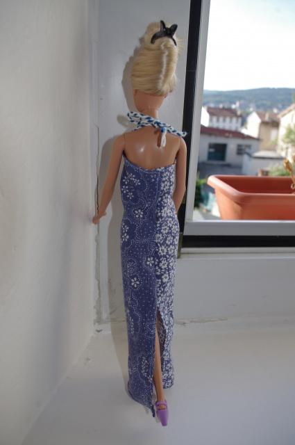 Couture et miniatures pour barbies, MH, muses!^^ 544707robebleue6