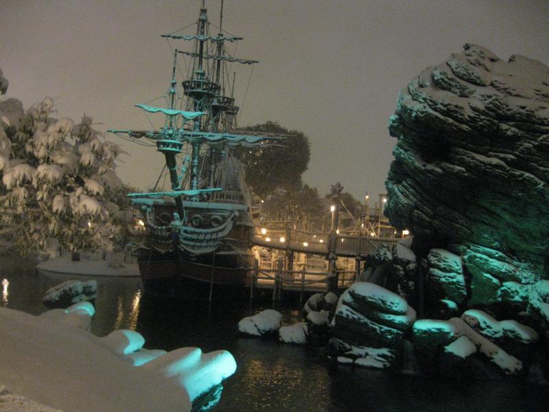 [Disneyland Paris] Disneyland Hotel - chambre Castle Club (8-10 décembre 2010) (début du TR p.9) - Page 8 544727IMG2057