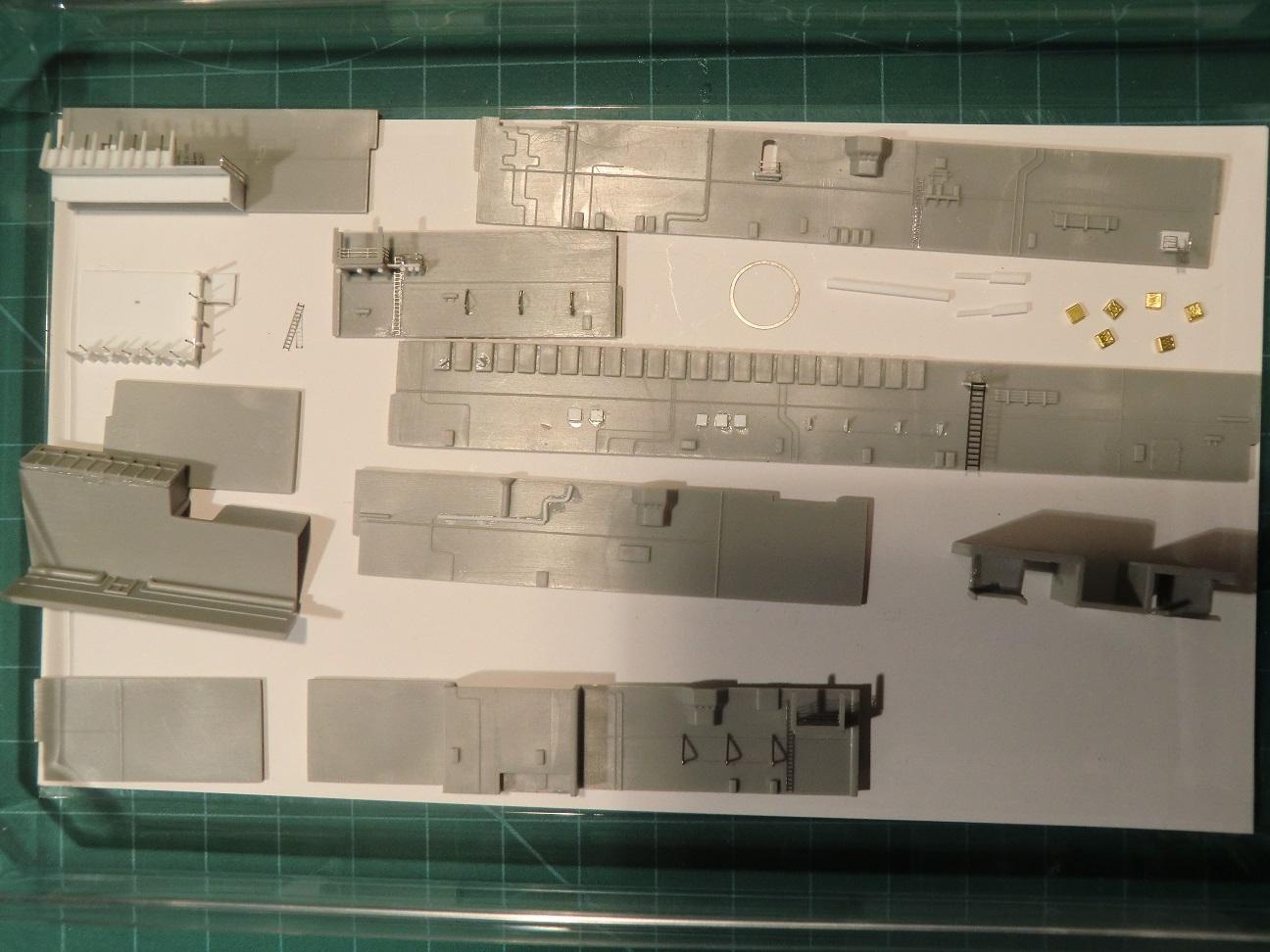 CVN 68 USS Nimitz Trumpeter 1/700  - Page 4 547026Nimitz38