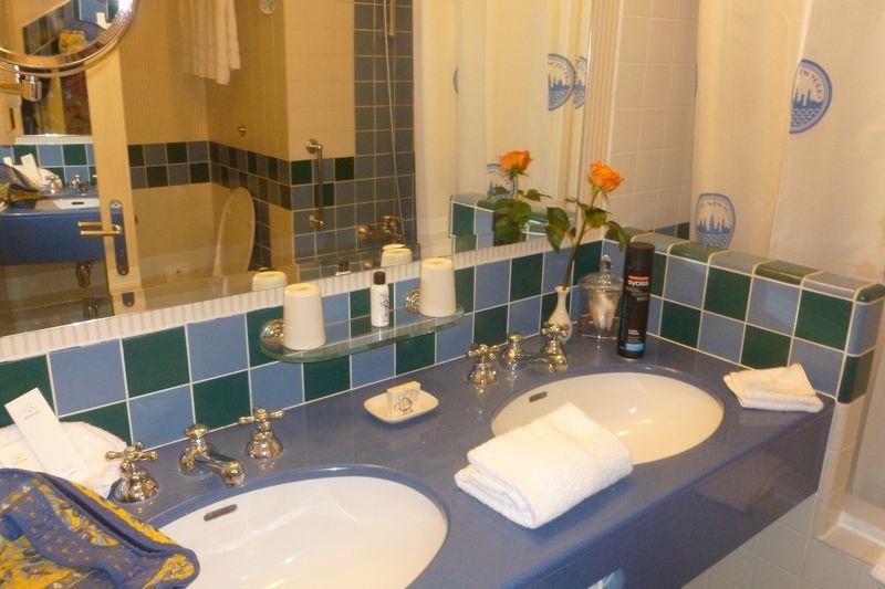 Les suites des Hôtels Disney, le Castle Club et l'Empire State Club. - Page 12 547806P1020561