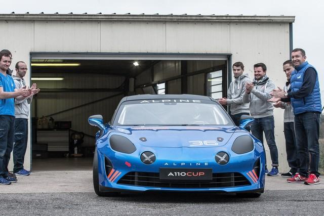 Alpine A110 Cup : une authentique voiture de course, taillée pour les plus grands circuits européens 556610211987132017AlpineA110Cup