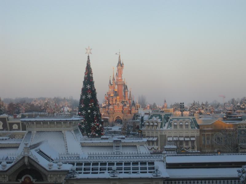 [Disneyland Paris] Disneyland Hotel - chambre Castle Club (8-10 décembre 2010) (début du TR p.9) - Page 9 558180IMG2129