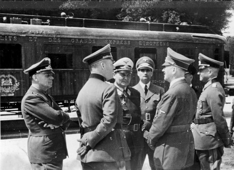 LFC : 16 Juin 1940, un autre destin pour la France (Inspiré de la FTL) 558269BundesarchivBild183M1112500WaffenstillstandvonCompigneHitlerGring