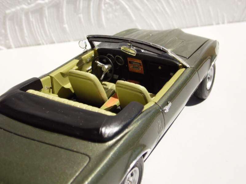 Pontiac Firebird 68 cab. (Fini)  - Page 2 559146SAM3977
