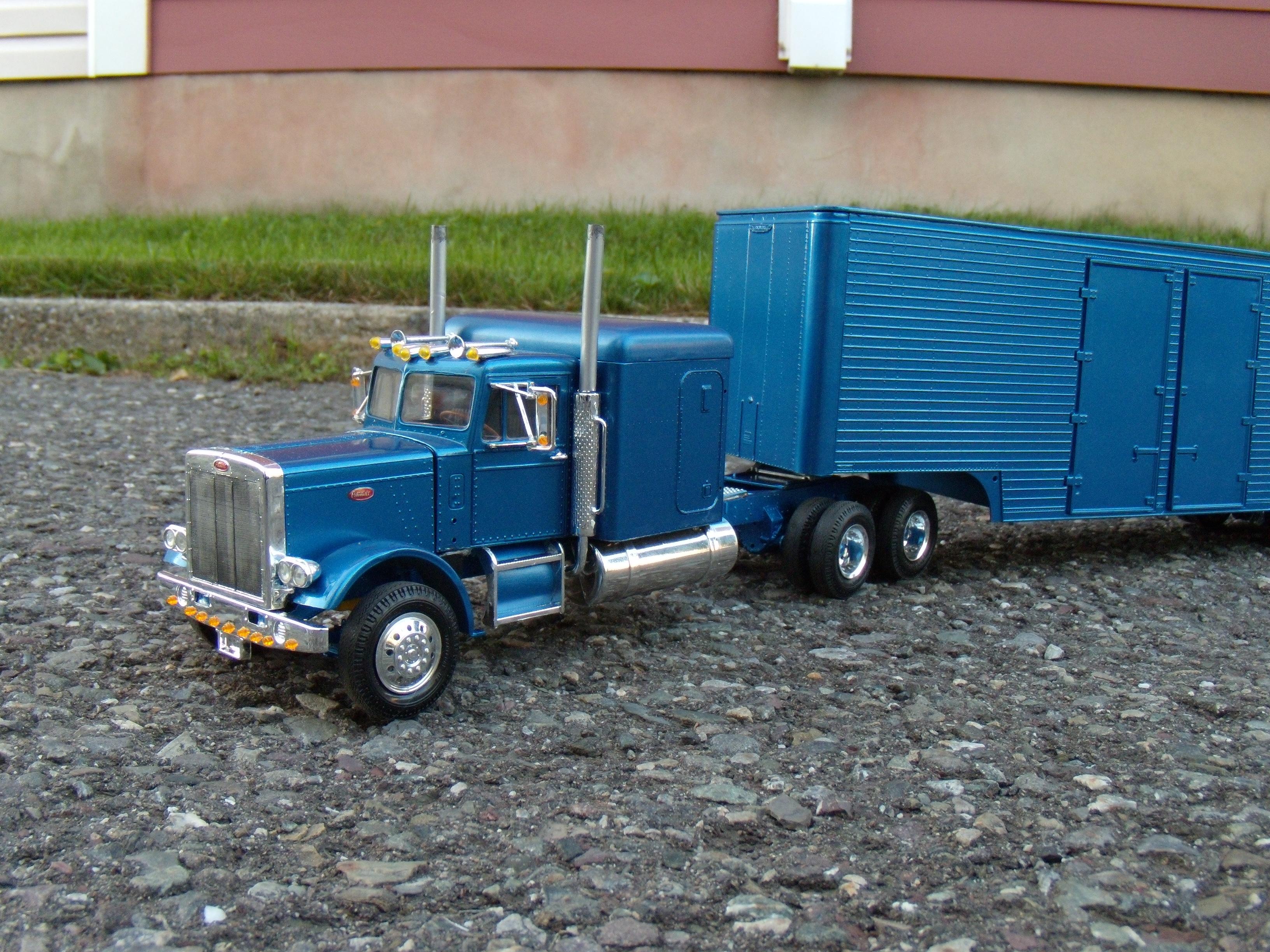 Peterbilt 359 ''california hauler'' 565628DSCN2240