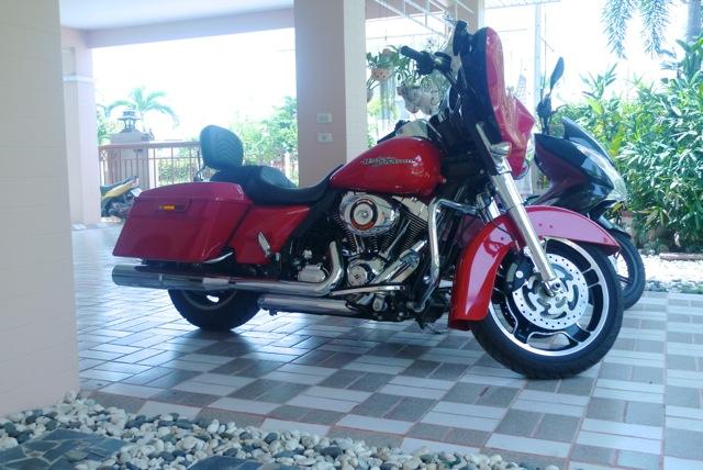 combien de STREET GLIDE  sur le forum Passion-Harley - Page 2 567265P1010853