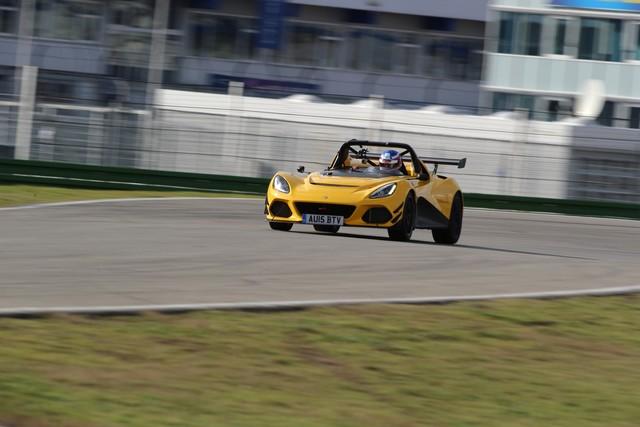Lotus 3-Eleven établit un nouveau record au tour sur le circuit  d'Hockenheim  5683222016Lotus3ElevenSportAuto07