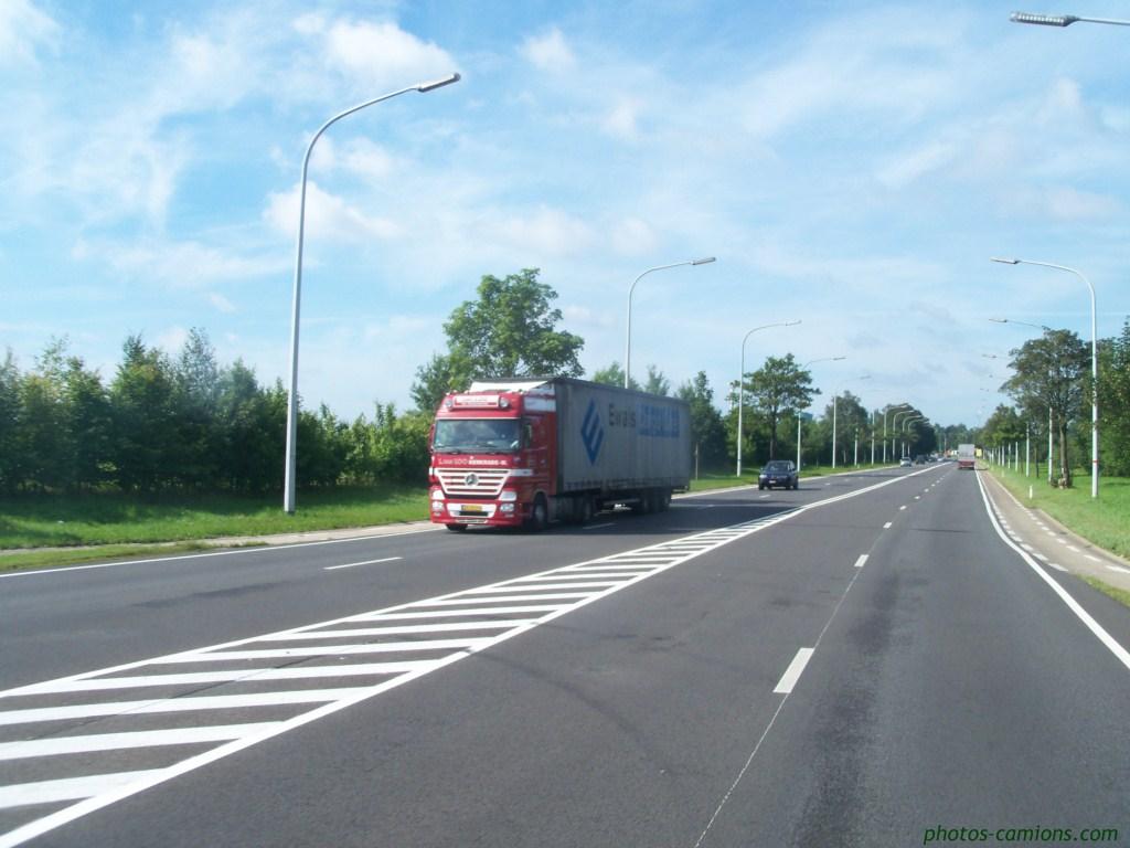 L.van Loo (Kerkrade) 572503photoscamion15IIX1119Copier