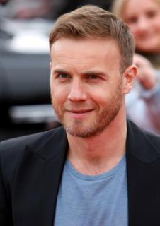 Gary arrive à l'audition de X Factor à Birmingham 1/06/11 573256MQ004