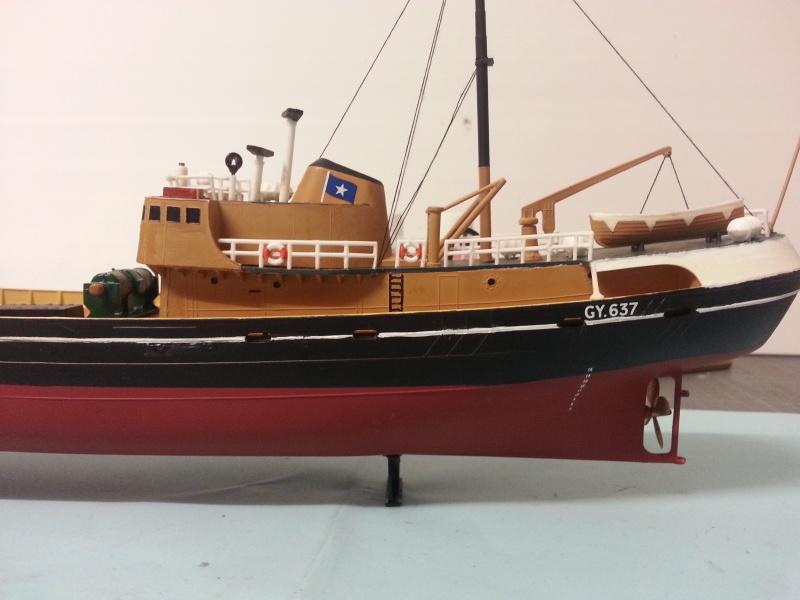 NorthSea Fishing Trawller de Revell au 1/142° - Page 3 577984CH30
