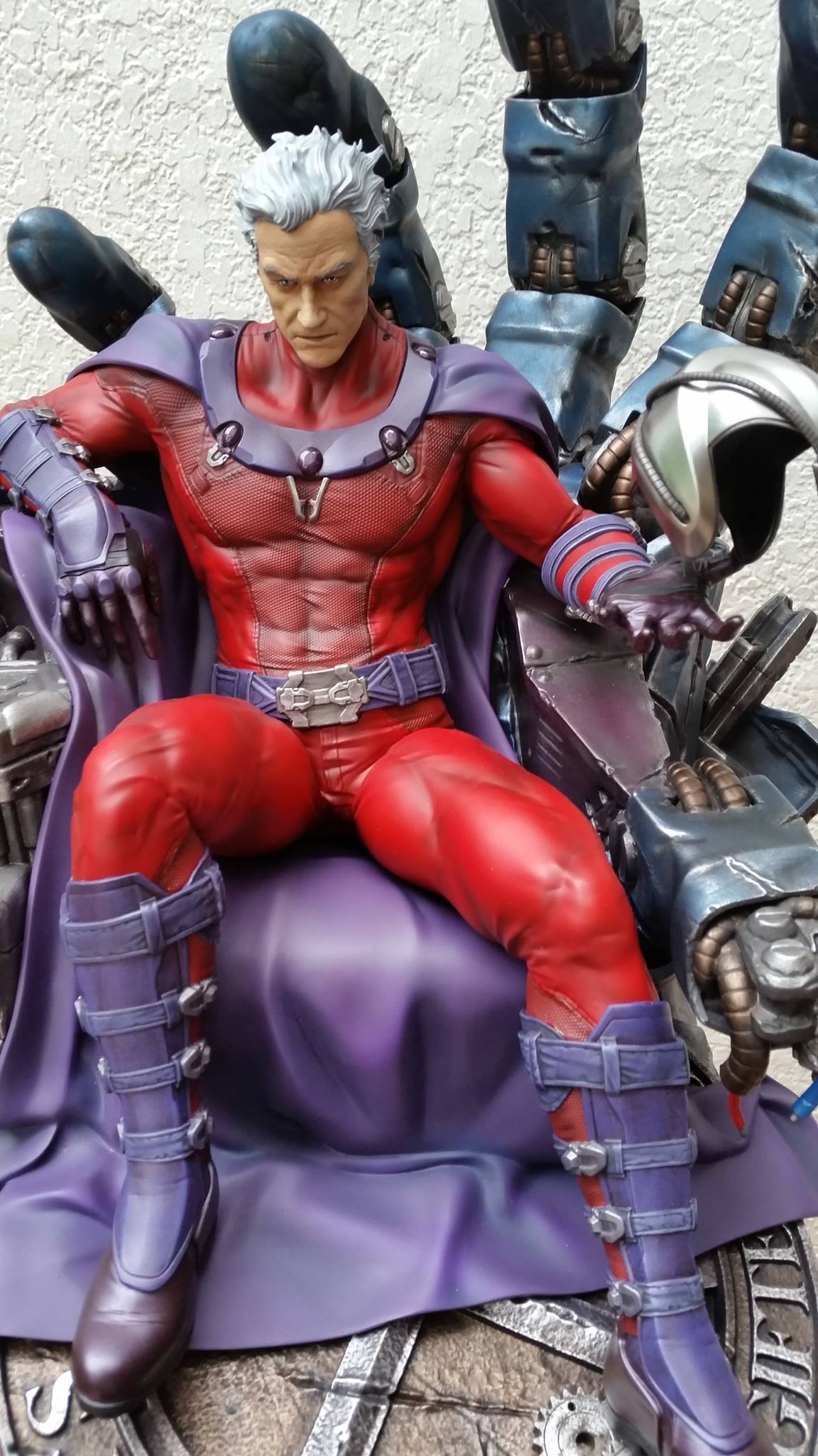 Premium Collectibles : Magneto on Sentinel Throne - Page 5 5795231049784214011596467713976186381379329513160o