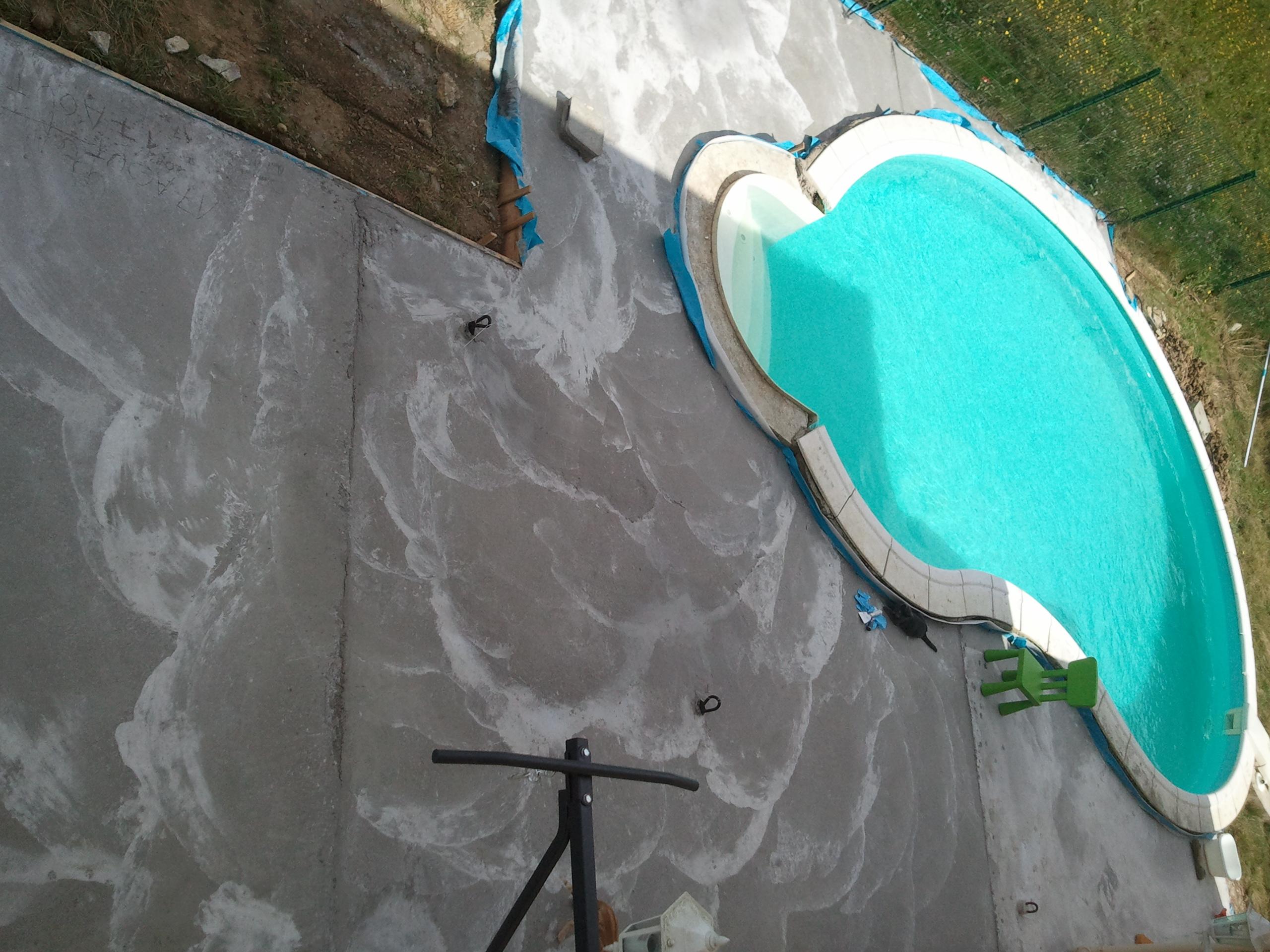 Hauteur piscine décalée par rapport à la terrasse  58161120140818125433