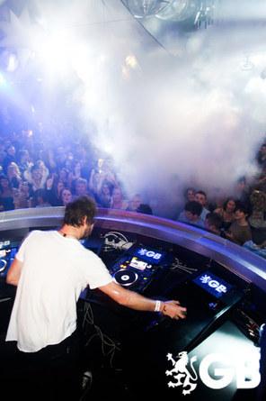 Howard DJing à Birmingham 29-01-2011 584428665x445fitbox28704vi