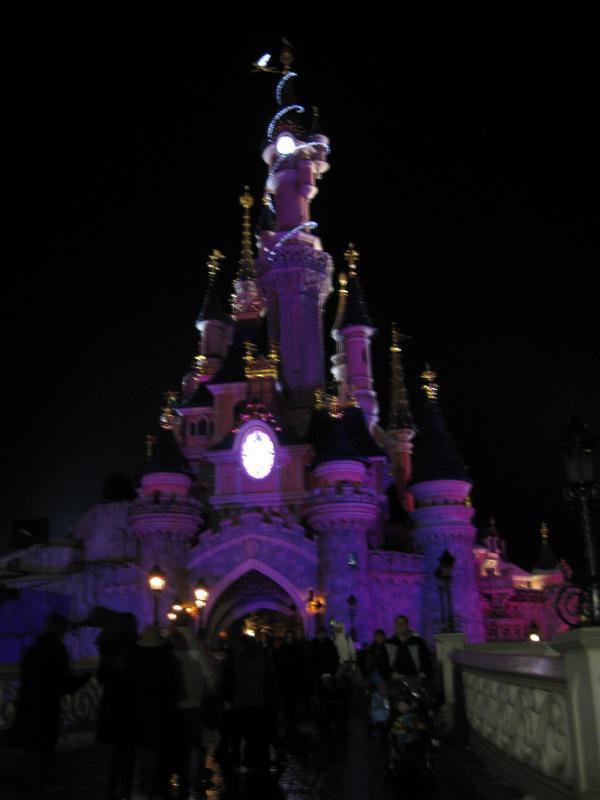 [Disneyland Paris] Disneyland Hotel - chambre Castle Club (8-10 décembre 2010) (début du TR p.9) - Page 10 587957IMG2328