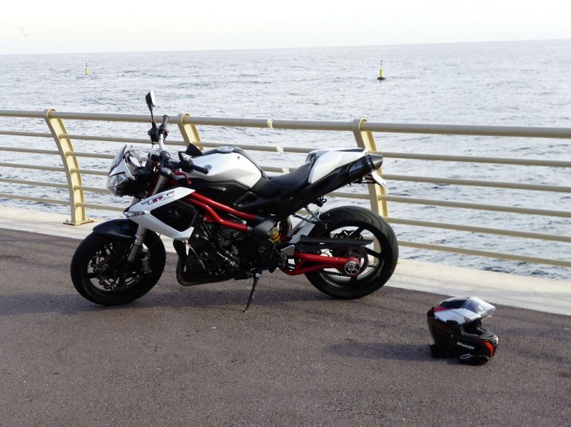 TnT 899 (2011) Red & White 588147P1020178LR