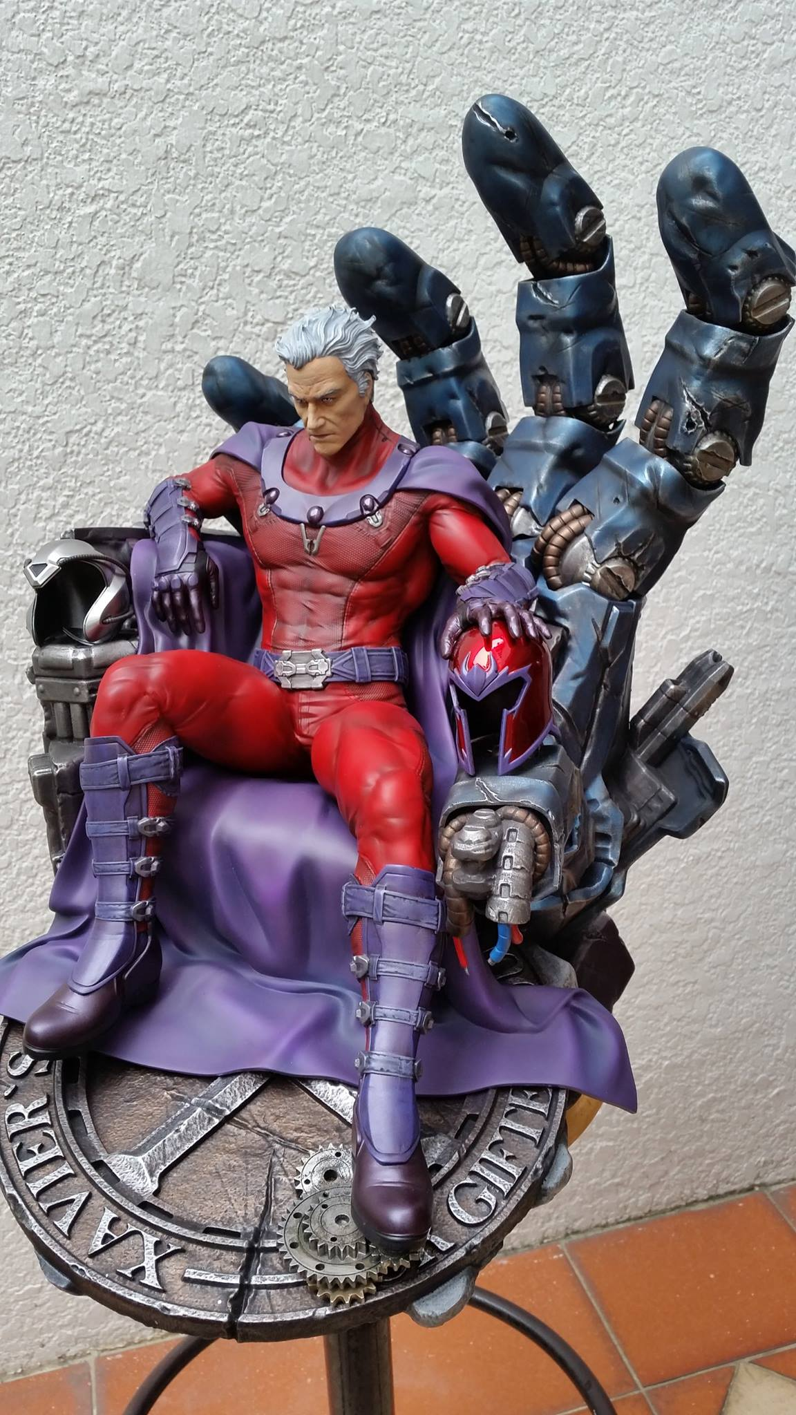 Premium Collectibles : Magneto on Sentinel Throne - Page 5 5904261049297714011597734380518665784391295589511o