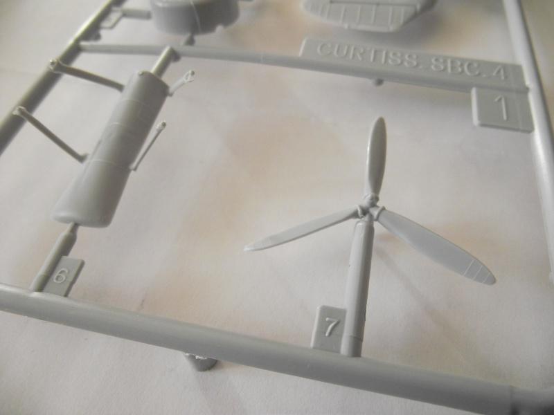 [Heller] Curtiss SBC-4 Helldiver 590493DSCF2187