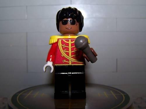 [LEGO] Créations d'oeuvres célèbres - Page 9 593670MJminifig1jpg