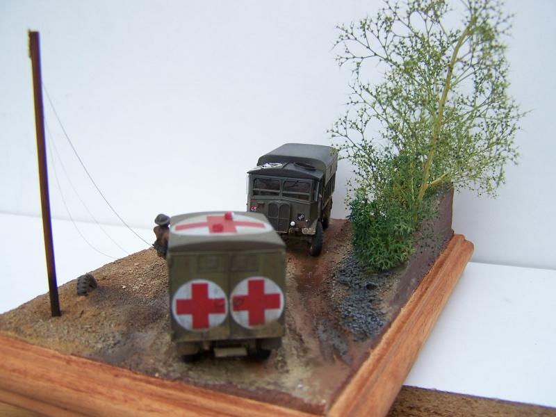 """AEC Matador et Ambulance Austin K2 """"au détour d un chemin"""" 598309MatadorAustinK2031"""
