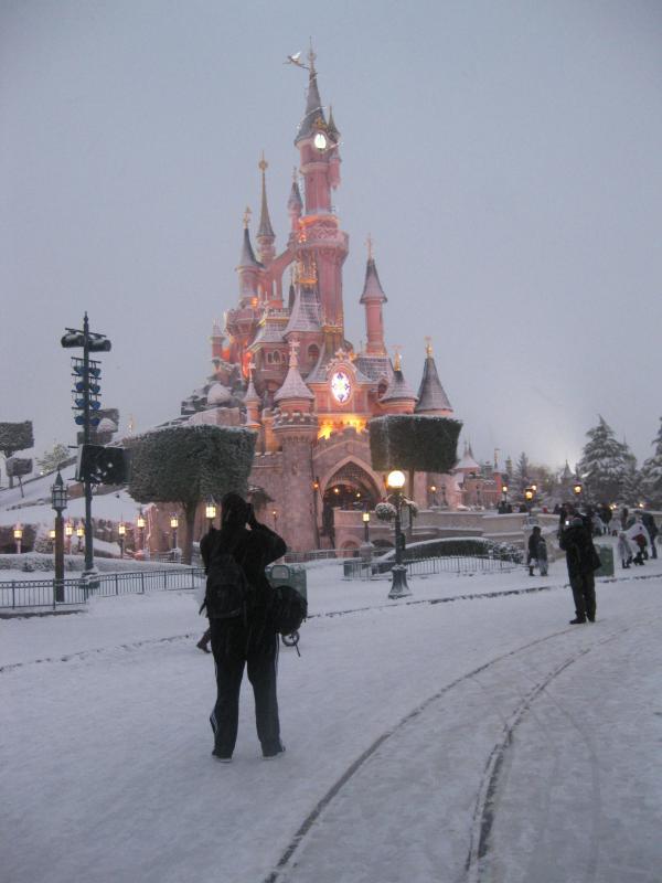 [Disneyland Paris] Disneyland Hotel - chambre Castle Club (8-10 décembre 2010) (début du TR p.9) - Page 8 598457IMG2024
