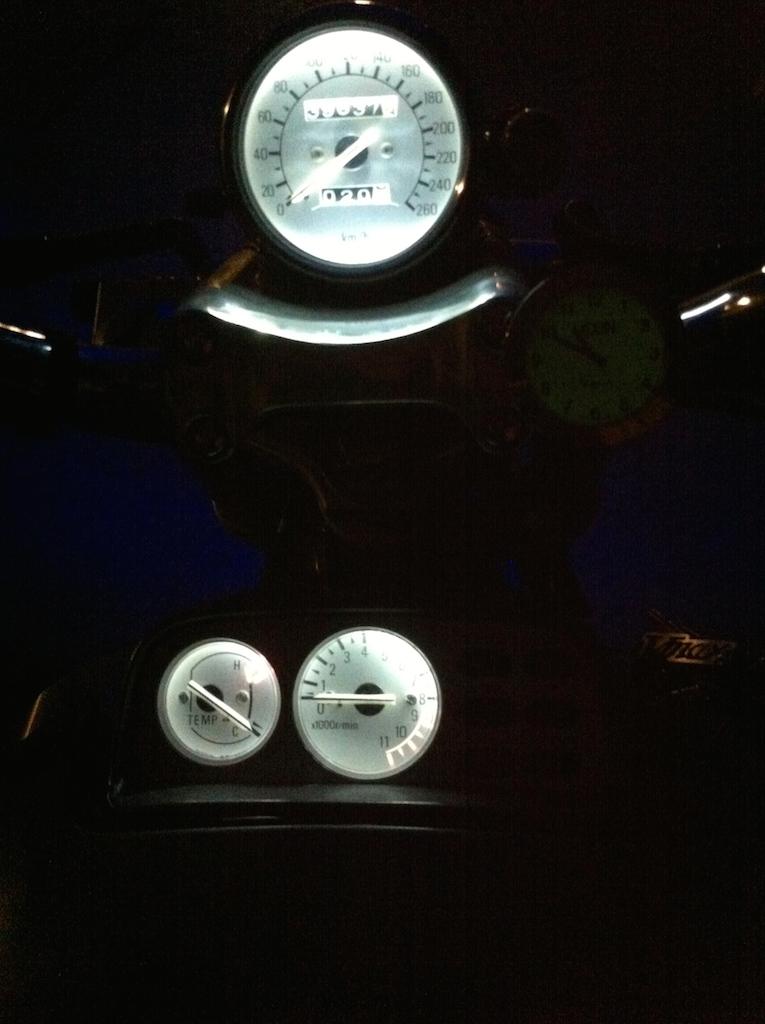 Ampoules compteur - Page 3 600794IMG2101
