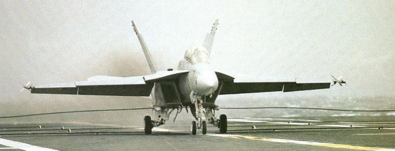 BOEING F/A-18E et F SUPER HORNET  603226BoeingF18SuperHornetessaisappontagejanvier1997