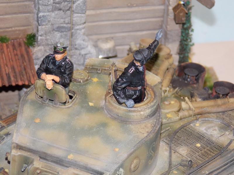 TIGRE S33  avant la bataille de Koursk juillet 43 (Dragon 1/35 dio DIODUMP) - Page 9 607288DSCN4763