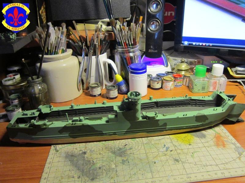 U.S. Navy Landing Ship Médium (Early) au 1/144 de Revell par Pascal 94 - Page 6 608314IMG42311