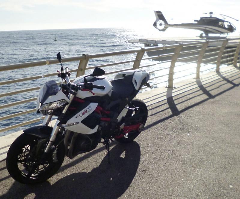 TnT 899 (2011) Red & White 608805P1020203LR