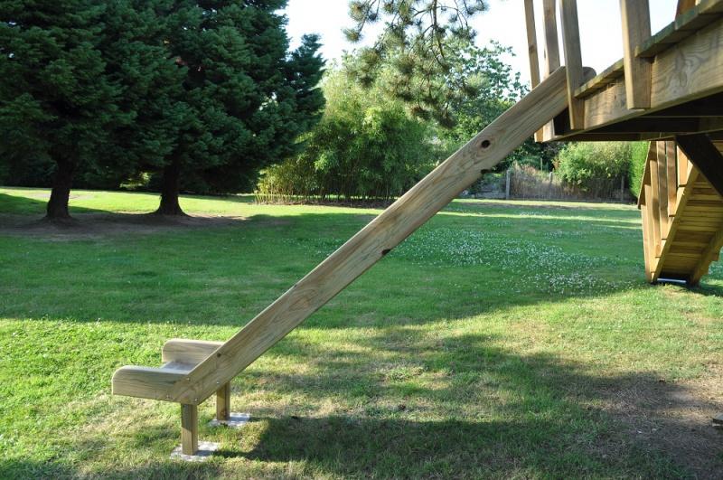 Projet de toboggant pour la cabane dans les arbres de mon fils, vos idées? - Page 3 609622Cabane22