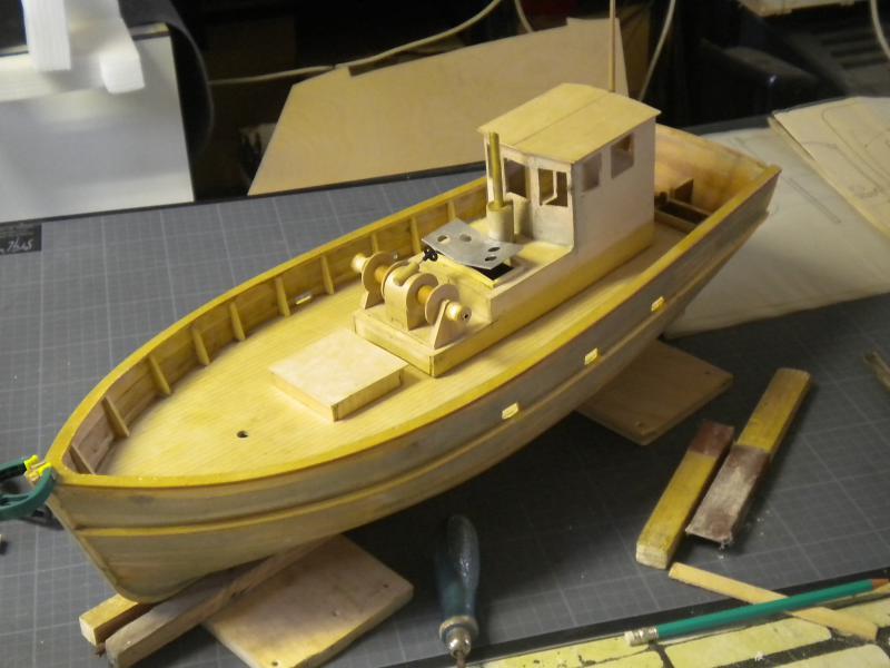 barque chalutiére au 1/20è d'après plans - Page 5 618223DSCN2231