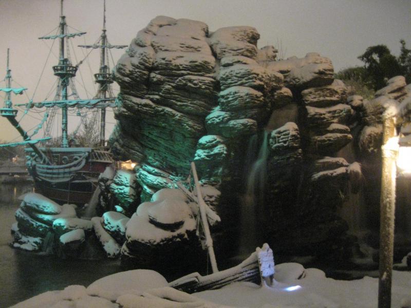 [Disneyland Paris] Disneyland Hotel - chambre Castle Club (8-10 décembre 2010) (début du TR p.9) - Page 8 618519IMG2055