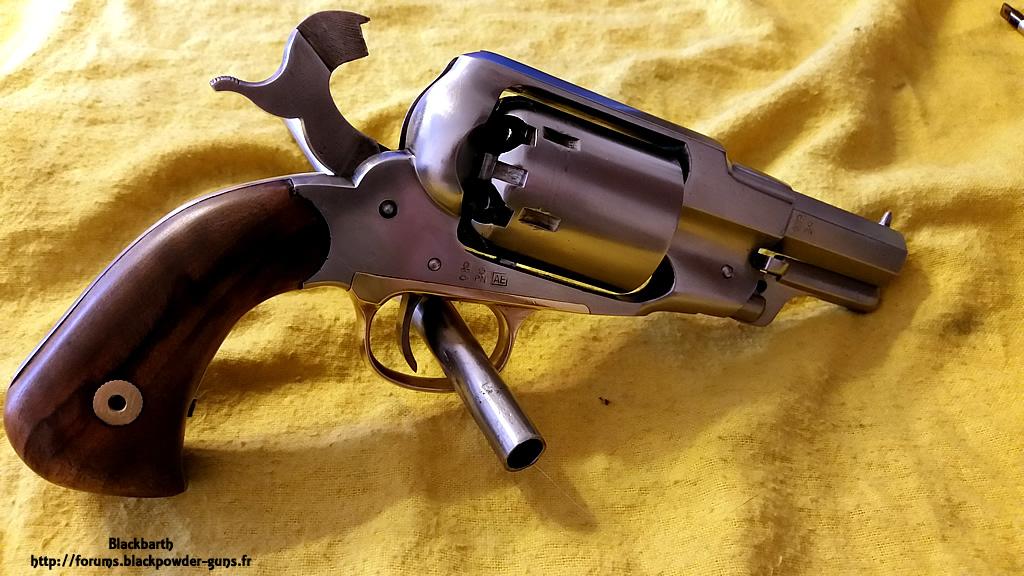 """Texas Avenger"" Cal 44 une Customisation du Remington 1858 625094RemSnub13"