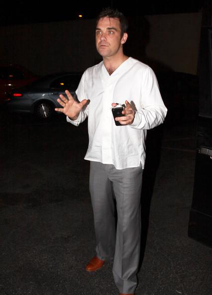 Robbie à Los Angeles 12-01-2011 626788RobbieWilliamsRobbieWilliamsLecturingtQbGBB22Wcwl