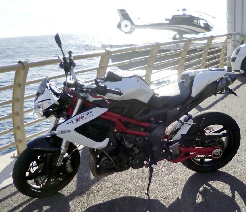 TnT 899 (2011) Red & White 630415P1020206LR