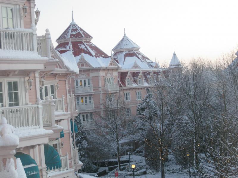 [Disneyland Paris] Disneyland Hotel - chambre Castle Club (8-10 décembre 2010) (début du TR p.9) - Page 9 633139IMG2119