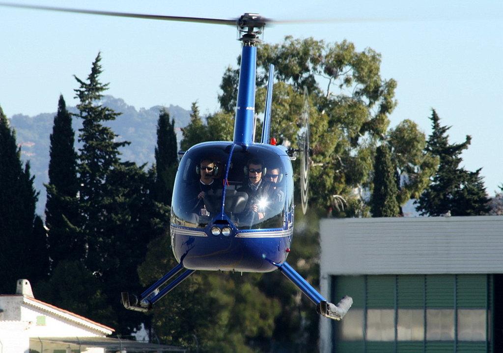 VOL en Robinson R44 autour de LFMD Cannes-Mandelieu 635870IMG0775