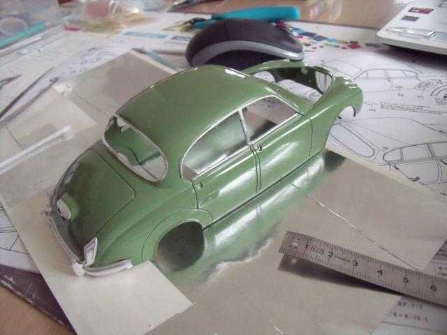 Jaguar MKII Saloon de Léopold Saroyan dans le Corniaud - Page 2 637937DSCF76111