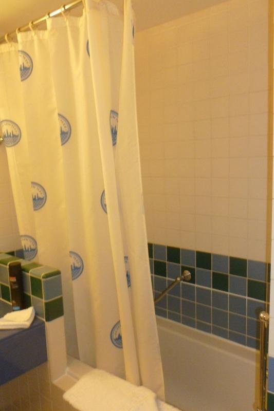 Les suites des Hôtels Disney, le Castle Club et l'Empire State Club. - Page 12 638912P1020566