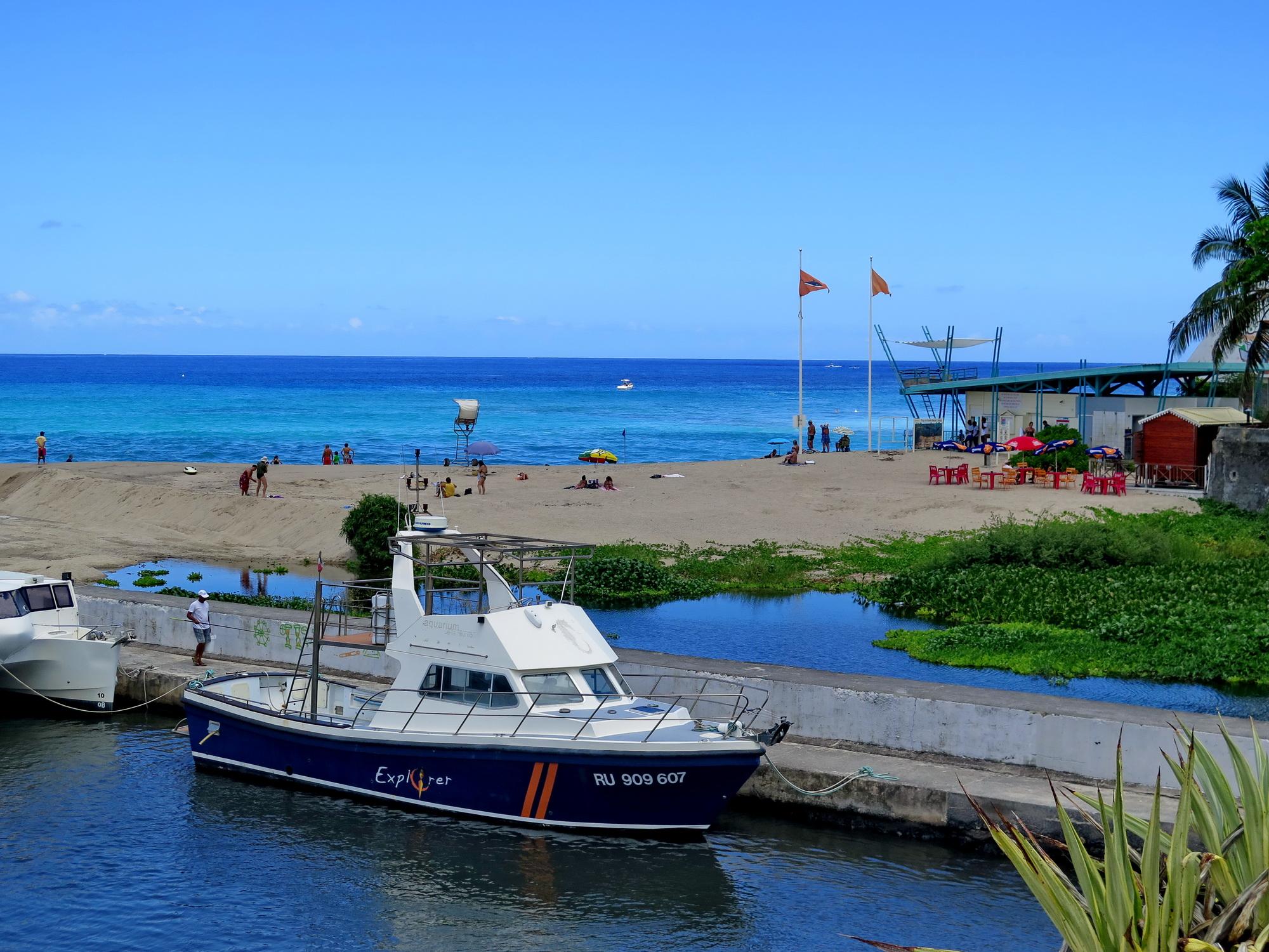 [Vie des ports] Les ports de la Réunion - Page 2 642324marchsaintpaulstgilles208