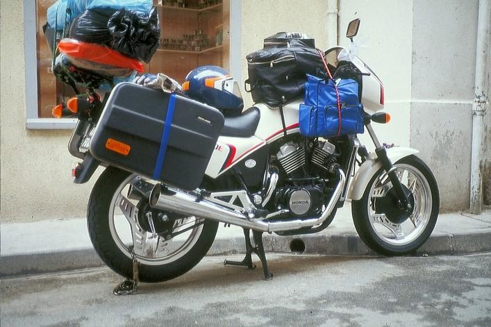VT500E : Révision & installation bagagerie (moto de Fantomas) 644731imm006