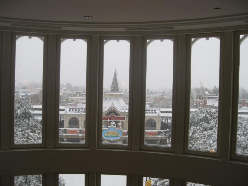 [Disneyland Paris] Disneyland Hotel - chambre Castle Club (8-10 décembre 2010) (début du TR p.9) - Page 8 647218IMG1995