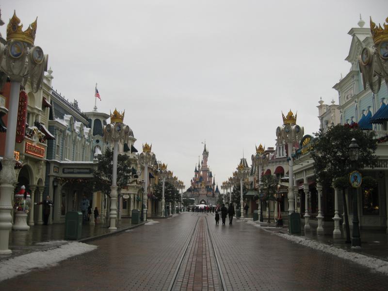 [Disneyland Paris] Disneyland Hotel - chambre Castle Club (8-10 décembre 2010) (début du TR p.9) - Page 10 652565IMG2446